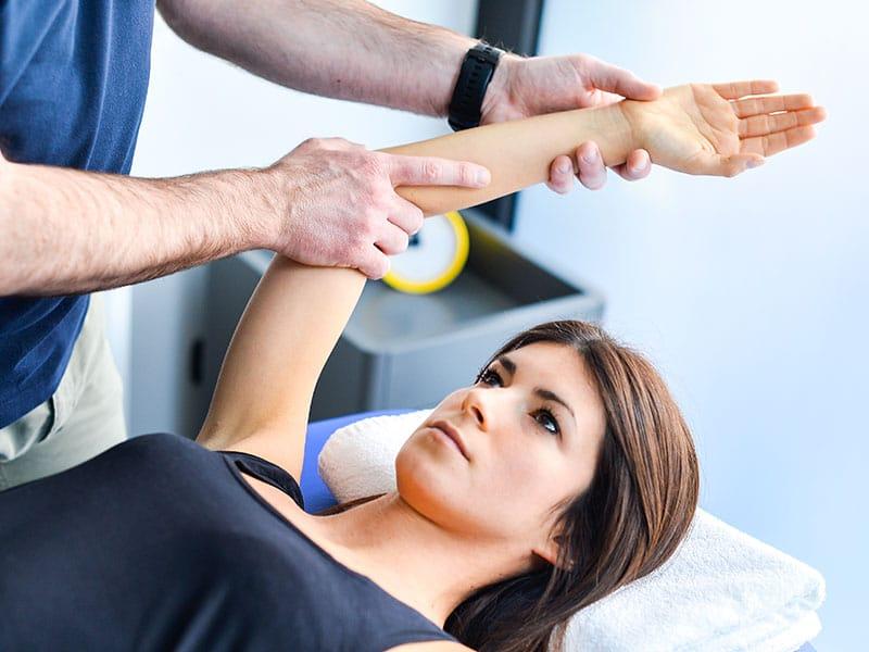 visita fisioterapica specialistica per la spalla Saronno