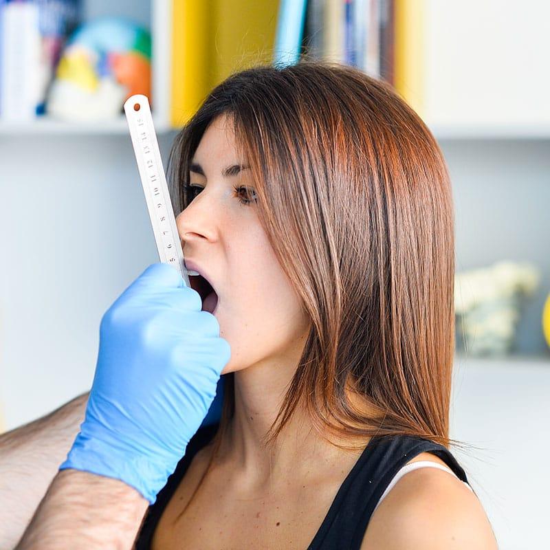 visita fisioterapica specialistica per la mandibola saronno (Varese)